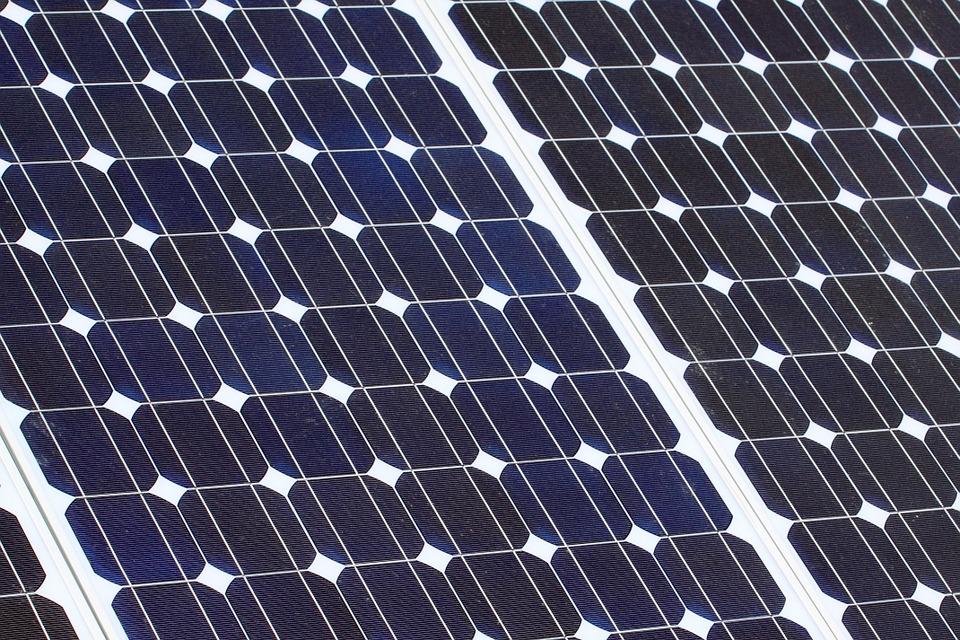 Panneaux solaires camping-car : comment faire le bon choix ?