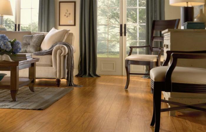Quelle couleur parquet avec des meubles sombres?